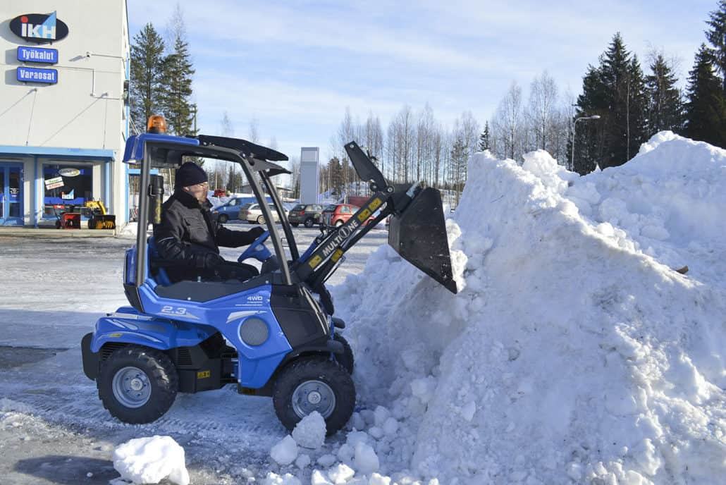 MultiOne-mini-loader-2-series-with-bucket-snow-1030x688