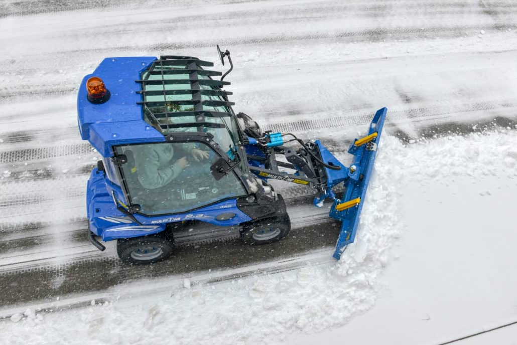 MultiOne-mini-loader-2-series-with-snow-blade-1030x688