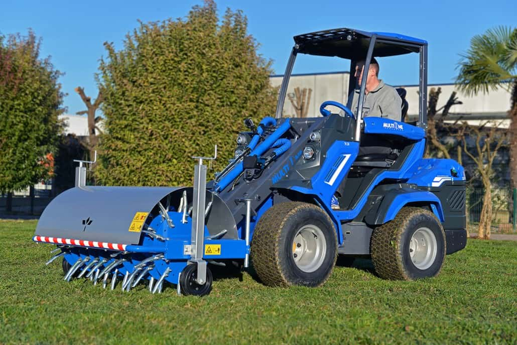 MultiOne-mini-loader-7-series-with-core-aerator1-1030x687