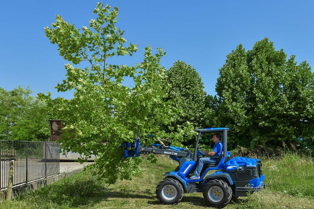 MultiOne-mini-loader-9-series-with-tree-shear-1030x687